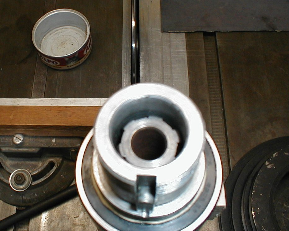 blurry picture of spindle shaft splines